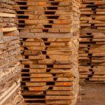 Pārdod Neapzāģētus koka dēļus